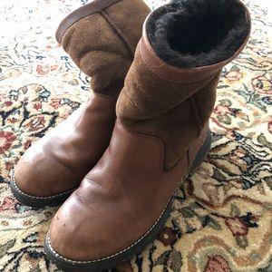 Uggs super heavy duty snow boot